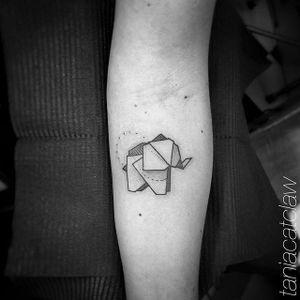 Blackwork origami elephant by Tania Catclaw. #blackwork #origami #elephant #TaniaCatclaw