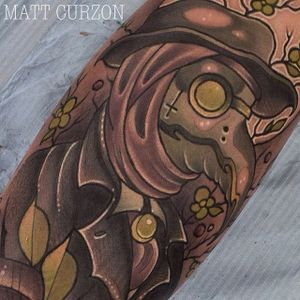 Neo Traditional Plague Doctor Tattoo by Matt Curzon #PlagueDoctor #PlagueDoctorTattoos #NeoTraditional #NeoTraditionalPlagueDoctor #MattCurzon