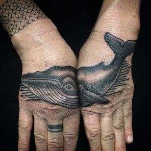 This great tattoo takes two hands to contain! (Via IG - pietrosedda) #whale