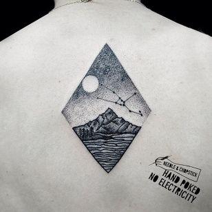 Handpoke Tattoo by Sarah Lu #handpoke #blackwork #nomachines #SarahLu