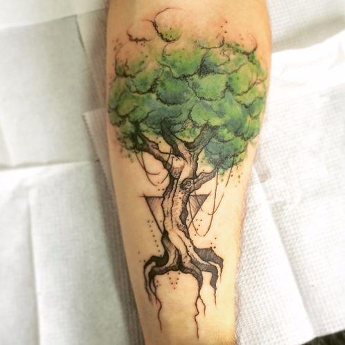 Mais uma árvore lindona de Dani! #DanielArtDesign #TatuadoresDoBrasil #TattoodoBR #aquarela #watercolor #sketch #arvore #tree #natureza #nature