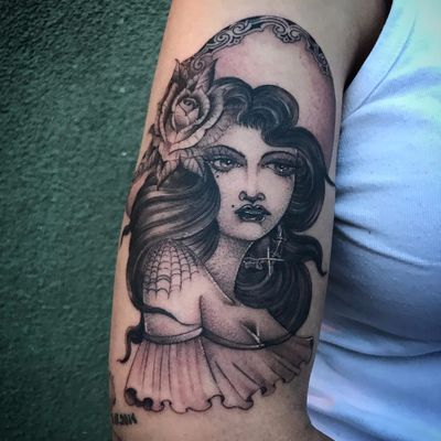 Portrait of a Lady by Big Steve #BigSteve #blackandgrey #oldschool #illustrative #lady #portrait #Mexican #jewelry #sombrero #spiderweb #rose #leaves #flowers #eyes #pinup #lips #tattoooftheday