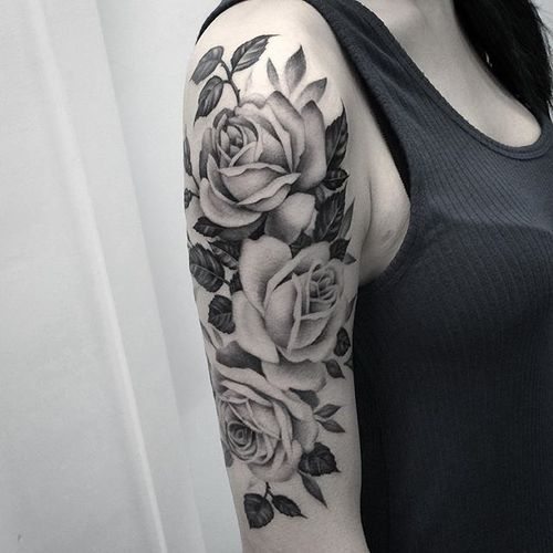 Roses by @lazerliz #lazerliz #floral #botanical #roses #flowers #blackandgrey