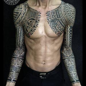 Blackwork tattoo sleeves by Samuel Christensen #samuelchristensen #blackwork #geometric #southpacific #maori #polynesian #samoan #tribal #dotwork
