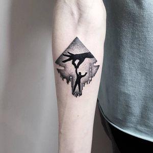 Fun artistic tattoo #MatteoNangeroni #blackwork #dotwork