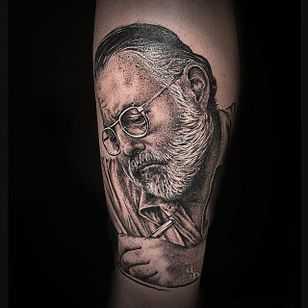Hemingway portrait by Panfilova Danila (via IG -- panfilova_d) #PanfilovaDanila #ernest #ernesttattoo #hemingway #hemingwaytattoo