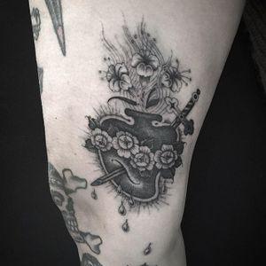 Sacred Heart tattoo by Gabriele Cardosi #sacredheart #sacredhearttattoo #singleneedle #singleneedletattoo #fineline #finelinetattoo #finelinetattoos #blackandgrey #GabrieleCardosi
