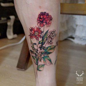 And more color! via @zihwa_tattooer #zihwa #reindeerink #floral #feminine
