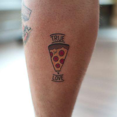 Amor verdadeiro #VanessaDong #PizzaTattoo #pizzalovers #pizza #pizzaday #diadapizza #truelove