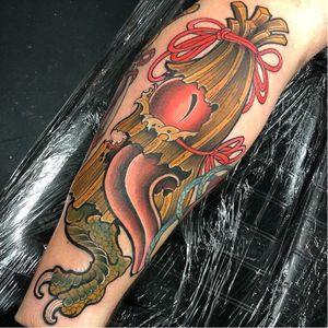 Kasa-obake tattoo by Dan Arietti #DanArietti #danblacksailstattoo #yokaitattoo #color #newschool #Japanese #yokai #ghost #demon #spirit #folklore #legend #spooky #possessed #creature #surreal #weird #umbrella #kasaobake