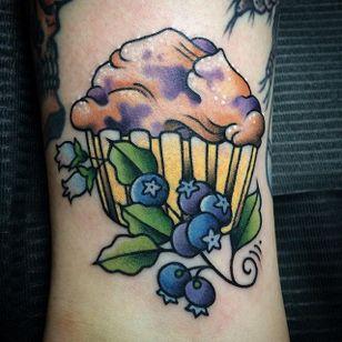Tasty traditional muffin and blueberry tattoo by Amanda Slater. #fruit #blueberry #botanical #flora #muffin #AmandaSlater