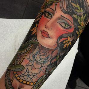 Tattooed beauty by @ClaudiaDeSabe #ClaudiaDeSabe #ladyhead