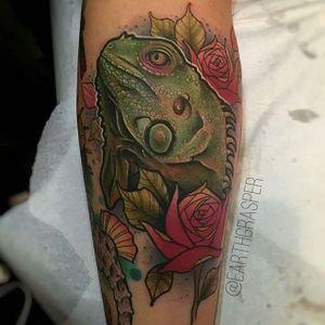 Iguana Tattoo by Jonathan Penchoff #iguana #iguanatattoo #lizardtattoo #lizardtattoos #reptiletattoo #reptiletattoos #reptile #lizard #neotraditional #neotraditionaliguana #JonathanPenchoff