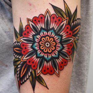 Mandala flower by Vic James #VicJames #newtraditional #color #mandala #flower #leaves #pattern #geometric #ornamental #tattoooftheday