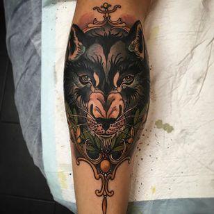 Wolf Tattoo by Jake Danielson #wolf #wolftattoo #neotraditional #neotraditionaltattoo #neotraditionaltattoos #neotraditionalartist #JakeDanielson