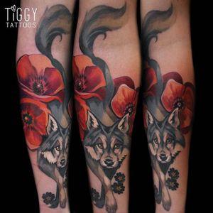 Wolf Tattoo by Tiggy Tuppence #wolf #wolftattoo #watercolor #watercolortattoo #colortattoos #brighttattoos #contemporary #londonartist #TiggyTuppence