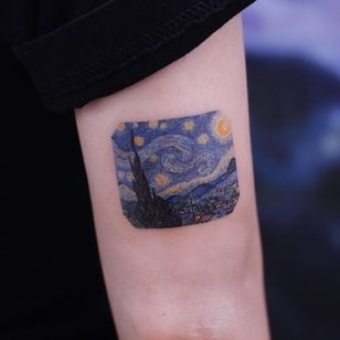 Starry Night tattoo by Saegeemtattoo #Saegeemtattoo #VanGoghtattoo #color #painting #VanGogh #StarryNight #landscape #cityscape #trees #sky #stars #moon #fineart #detailed