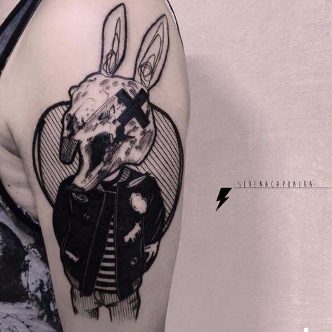 Donnie Darko, é você? #SerenaCaponera #gringa #blackwork #grafico #graphic #vintage #coelho #rabbit #skull #caveira #boy #garoto #colagem #collage