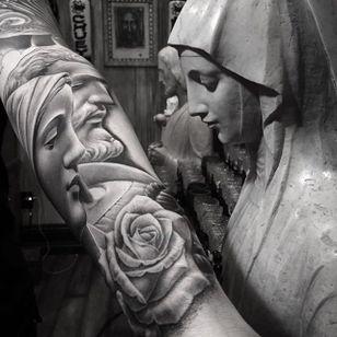 The Holy Mother. (via IG - chueyquintanar) #blackandgrey #religious #religioustattoo #chueyquintanar