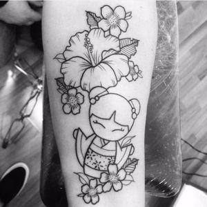 Lovely kokeshi tattoo by Martina Molinari #kokeshi #japanesedoll #linework #flower #MartinaMolinari #doll #tradition #japanesetradition