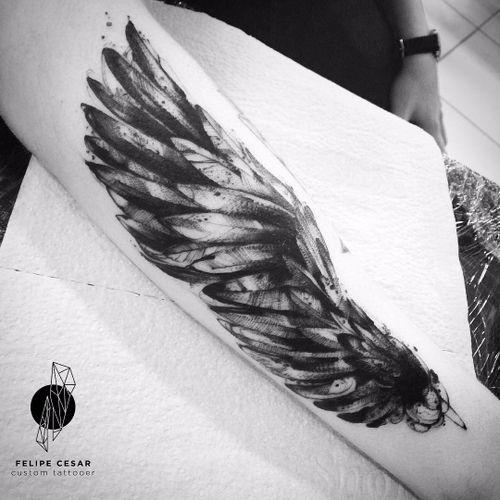 Por @felipecesar! #FelipeCesar #blackwork #asas #wings #TatuadoresDoBrasil #brasil #portugues