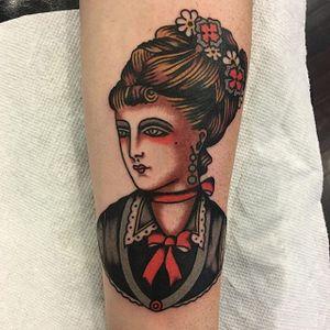 Pretty lady head made by Ivan Antonyshev. Photo via IG- @ivanantonyshev #ivanantonyshev #phillyconvention #traditional