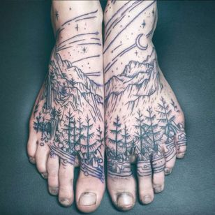 Longhaul's ability to draw out the enchantment of nature with such minimal line work and shading is astonishing. #blackandgrey #empowerment #feet #LGBT #magic #landscape #nature #Noel'leLonghaul #transgender #witchcraft