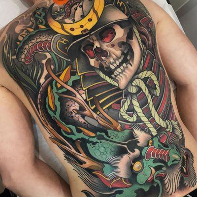 Dead Samurai and dragon tattoo by Javier Franko #JavierFranko #backpiecetattoos #color #neotraditional #samurai #skull #armor #dragon #folklore #rope #moon #death