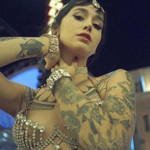 Emma Vauxdevil by Tamara Lichtenstein (via IG-vauxdevil) #fireartist #burlesque #wcw #emmavauxdevil