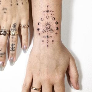 We adore how Tati Compton illustrated the lunar phases in some of her wrist tattoos (IG—taticompton). #blacktattoo #handpoked #TatiCompton #wristtattoo