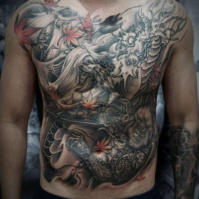 One of Quang Sta's epic piece featuring waring Japanese icons (IG—quan9sta). #dragon #hannya #Irezumiinspired #largescale #MonkeyKing #neoJapanese #QuangSta