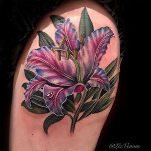 Realistic floral tattoo by Liz Venom via @lizvenom #lily #floral #realistic #realism #LizVenom