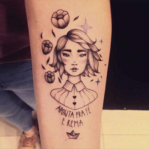 Tattoo por Marta Carvalho! #MartaCarvalho #TokaStudio #tattoobr #tattoodobr #apontapraféerema #girl #menina #woman #mulher #delicate