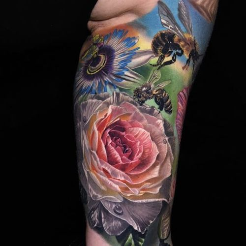 Nature realism by Phil Garcia #PhilGarcia #color #realism #rose #bee #flower #tattoooftheday