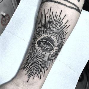 Freehanded All Seeing Eye by Van Priegonova (via IG-vanpriegonova) #blackwork #linework #illustrative #vanpriegonova