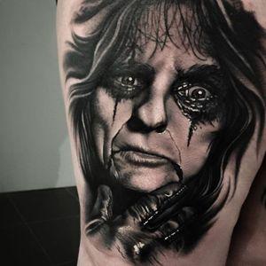 (via IG - xlevibarnett_tattoox) #AliceCooper #RockStar #Portrait #Portraiture #Realism
