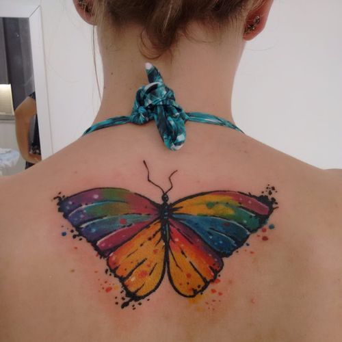 Borboletona! #LucasFranca #TatuadoresDoBrasil #delicadas #delicate #fofas #cute #borboleta #butterfly #colorida #colorful