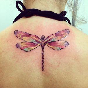 Libélula! #libelula #dragonfly #LuizaFortes #tatuagensColoridas #colorful #fineline #traços #minimalista #artistaNacional #brasil