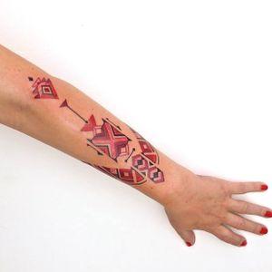 A arte única de Brian Gomes. #BrianGomes #TatuadoresdoBrasil #Brasil #Brazil #tribalbrasileiro #geometria #arteindígena