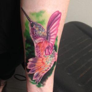 The most vibrant hummingbird in the world by Vic Vivid (IG—vicvivid). #color #hummingbird #realism #songbirds #VicVivid