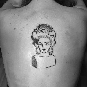 Marie Antoinette by Lydia Marier (via IG-lmariera) #ladyhead #black #illustrative #bust #marieantoinette #LydiaMarier #girlsgirlsgirls