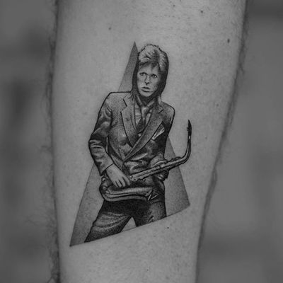 David Bowie tattoo by Fillipe Pacheco #FillipePacheco #blackandgrey #DavidBowie #tattoooftheday