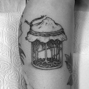 A forest grows inside a jar (via IG—tomtomtatts) #masonjar #jartattoo #sceneinsideajar