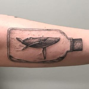 This whale is all bottled up. (Via IG - aleishamarietattoo)