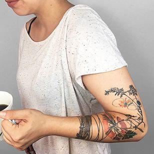 Botanical tattoo by Gülşah Karaca. #GulsahKaraca #illustrative #graphic #technicolor #trippy #geometric #conceptual #botanical #anchor