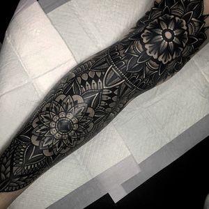 Geometric Tattoo by Mico @micotattoo #micotattoo #geometric #blackwork #mandala
