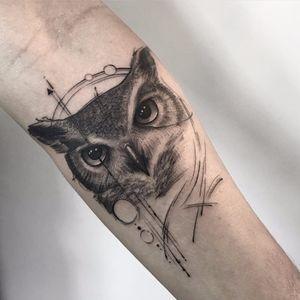 #SindyBrito #tatuadorasdobrasil #blackwork #delicadas #fineline #traçofino #cute #coruja #owl