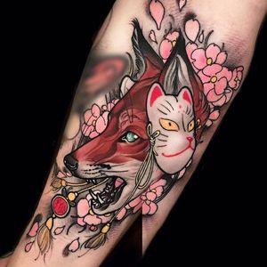 Por Brando Chiesa! #BrandoChiesa #WhiteTattoo #Neotrad #Newtraditional #Oriental #Orientaltattoo #Japanesetattoo #foxtattoo #fox #raposa #raposatattoo