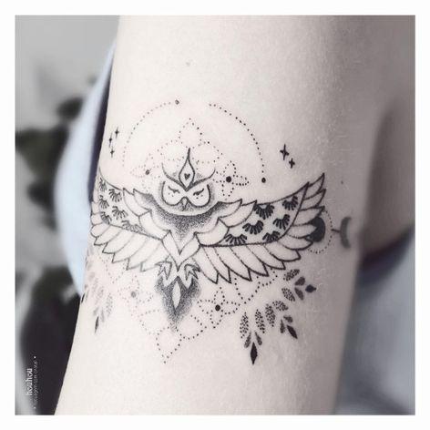 #VerônicaAlves #brasil #brazil #brazilianartist #TatuadorasDoBrasil #handpoke #blackwork #pontilhismo #dotwork #fineline #ave #passaro #bird #coruja #owl #folha #leaf