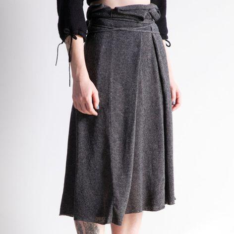 Skirt by Morph Knitwear (via IG-morphknitwear) #knitwear #knits #handknit #fashion #accessories #MorphKnitwear